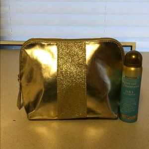 Clinique Cosmetic Bag With Gift